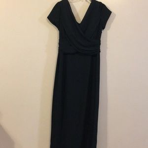 Liz Claiborne Green semiFormal Dress Worn once Sz6